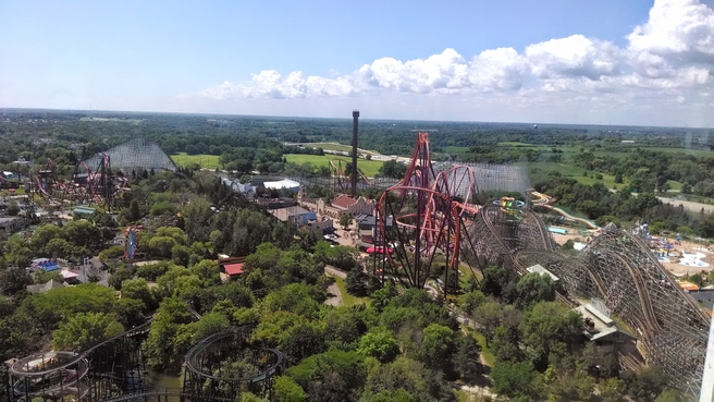 Six Flags Great America a Tourist Guide by Linda Jean