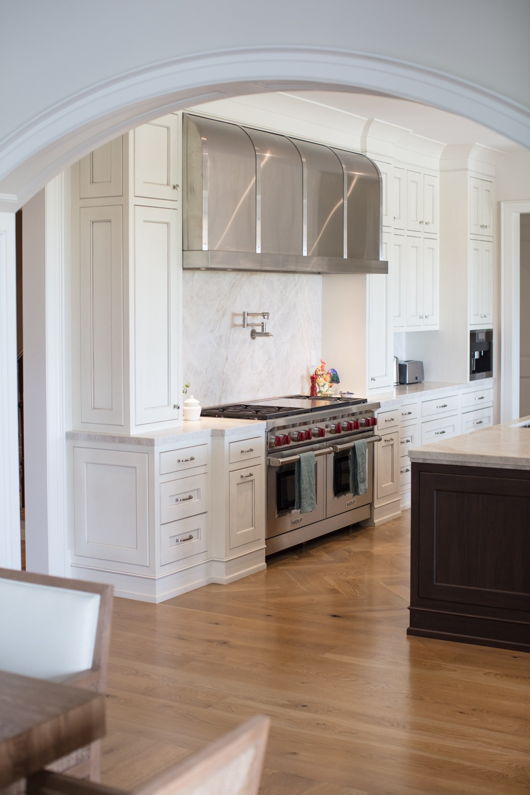 Massive Contemporary Range Hood in Stainless Steel