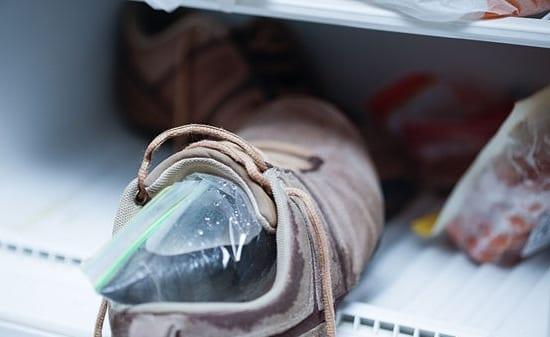 Топ 7 способов избавиться от неприятного запаха в кроссовках