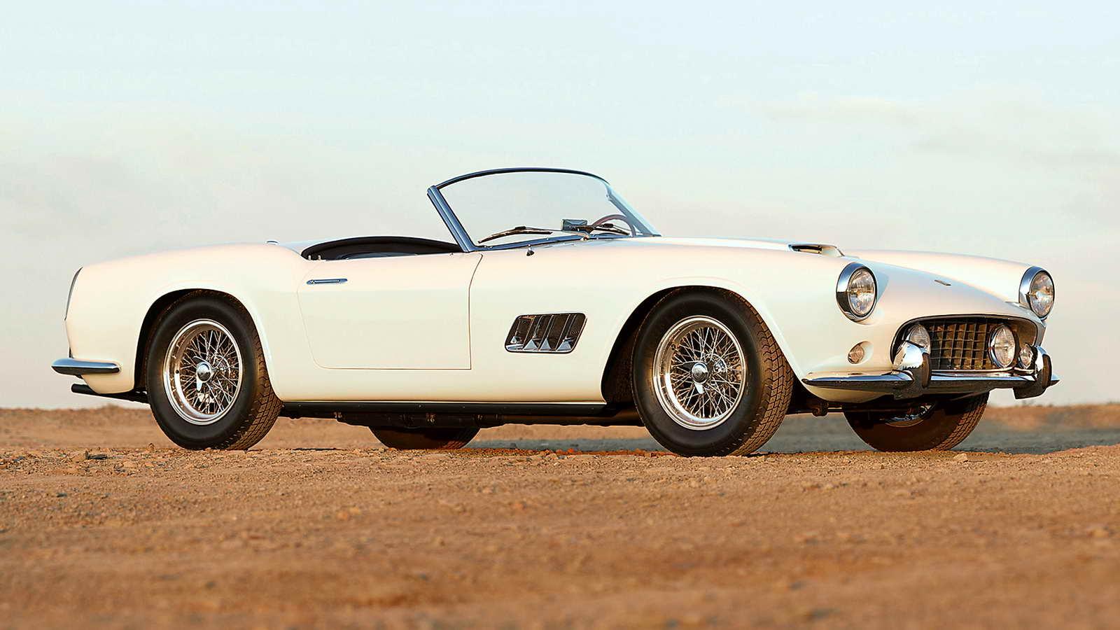 1959_Ferrari_250_GT_LWB_California_Spider_01.jpg