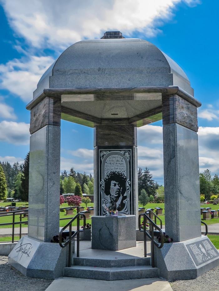 Jimi Hendirx monument Greenwood memorial park