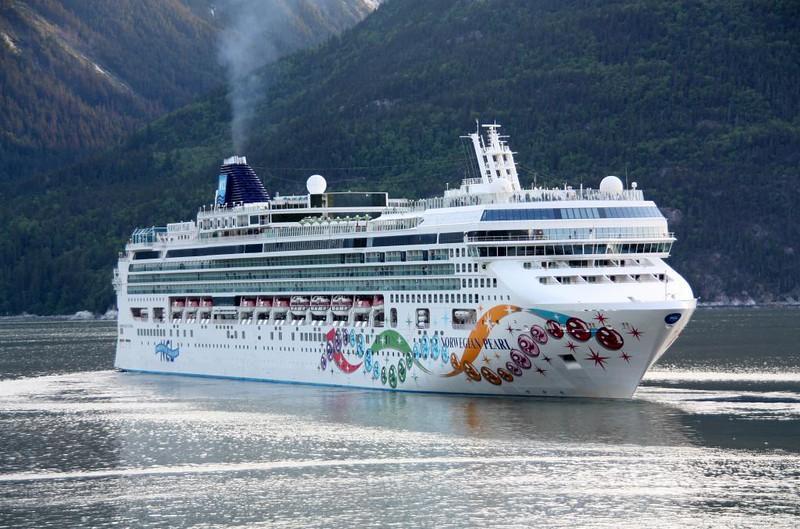 Norwegian Cruise Line - Norwegian Pearl