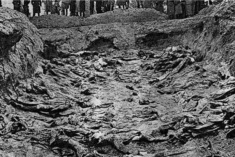 Катынь, раскопанная могила