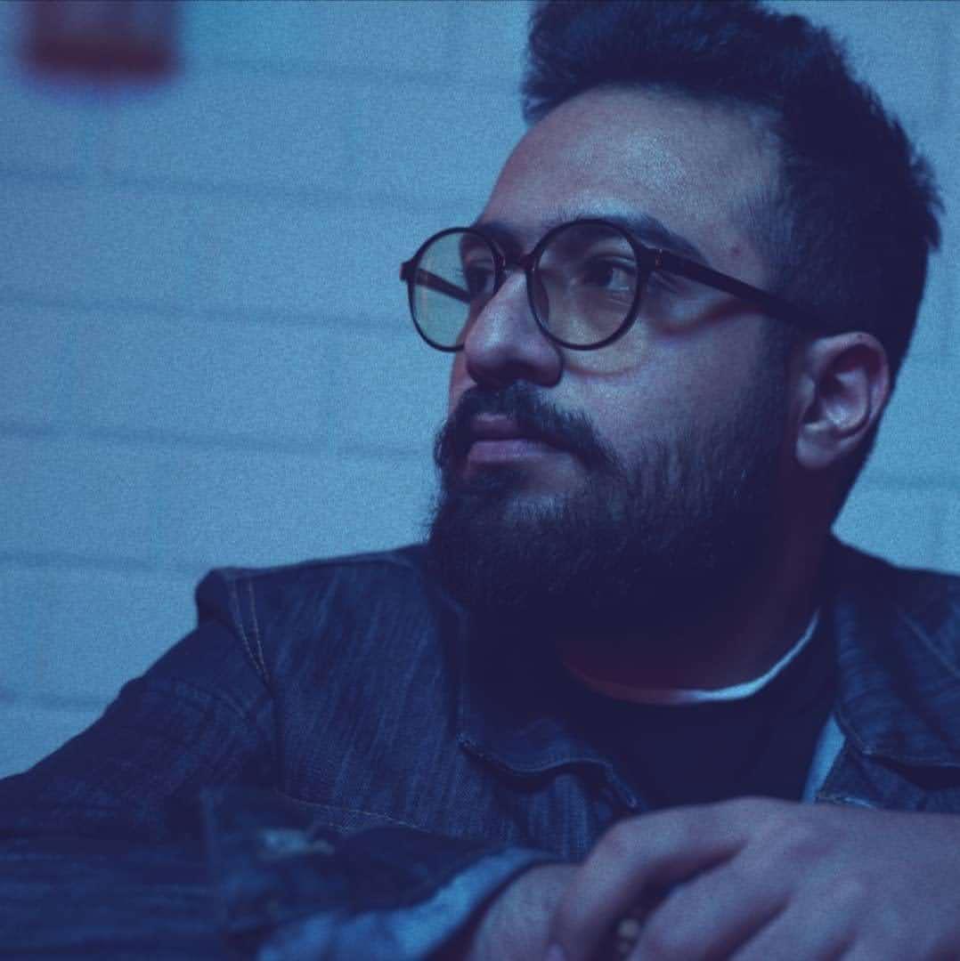 حسام فراهانی مدرس آواز سنتی و پاپ و پیانو و دروس کنکور موسیقی