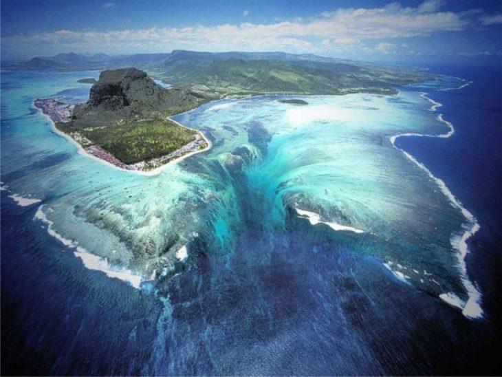Cachoeira subaquática