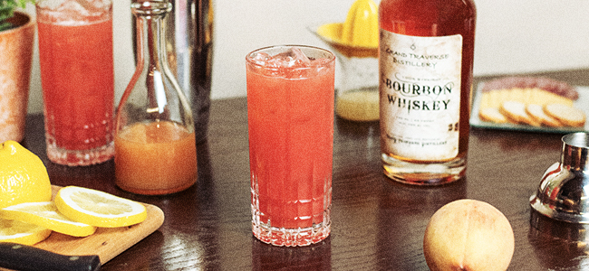 The Collins Glass, An Essential Glass For Your Home Bar