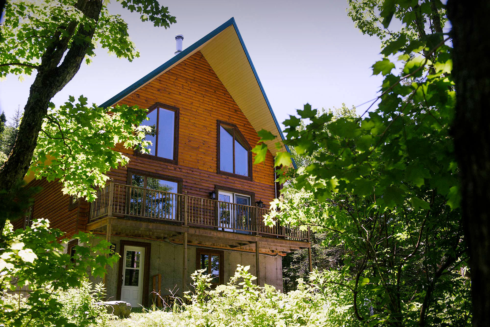 Cottages for rent with 6 bedrooms in Quebec #8