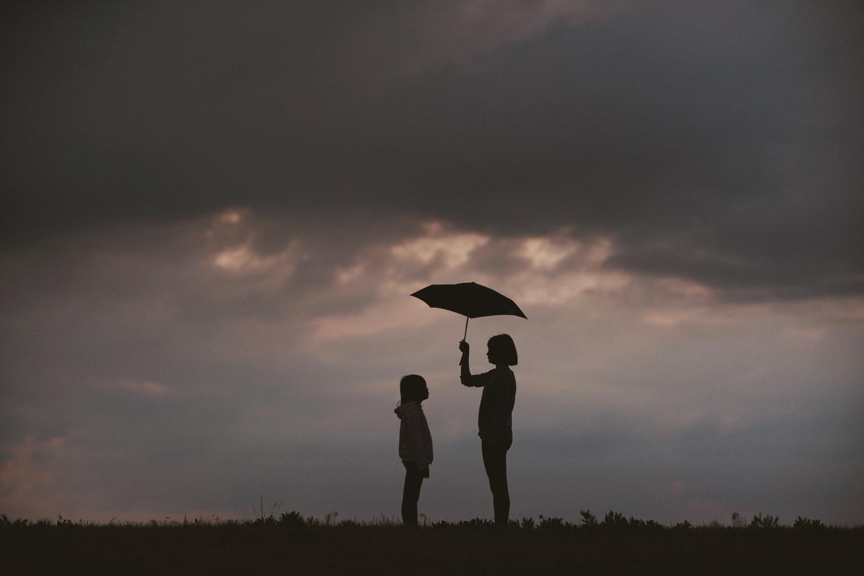 那不被保險接受的身障者,期盼社會能為其伸出溫暖的傘。|礙的萬物論