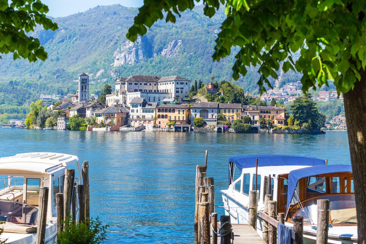 What are the most beautiful things to see on Lake Orta