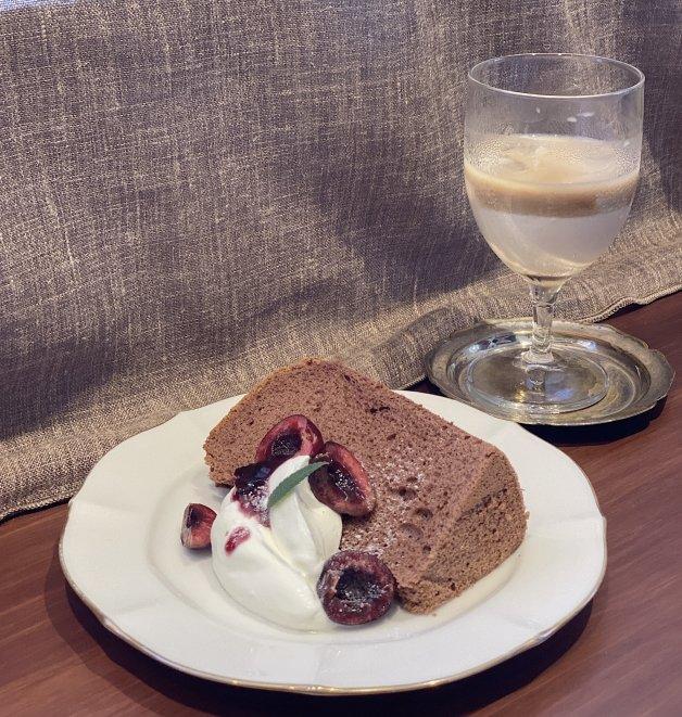 位在台北大稻埕的沙丘咖啡廳,蛋糕跟咖啡都很美味
