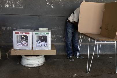http://www.un.org/en/globalissues/democracy/images/haiti_elections.jpg