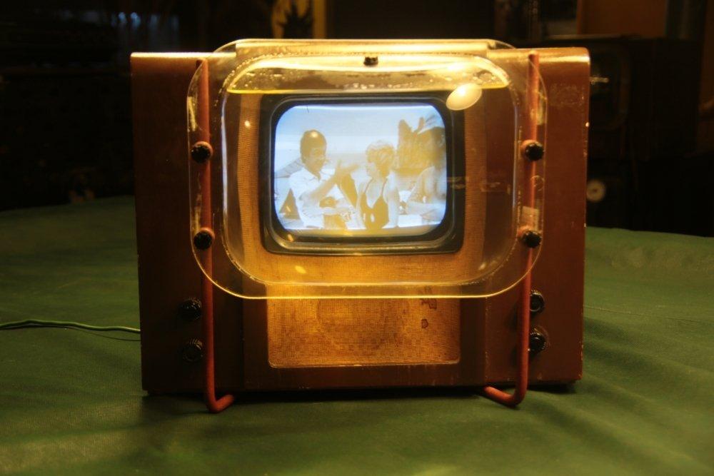 Как расшифровывалось название первого советского телевизора КВН-49 —  Российская газета
