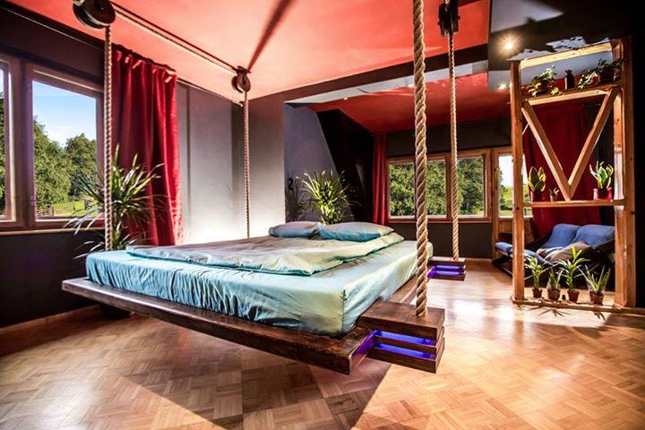 Mẫu giường treo
