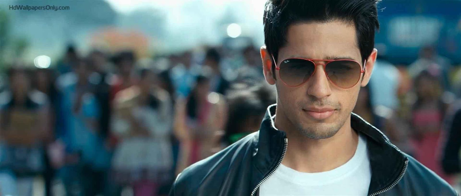http://www.hdwallpaper4u.com/wp-content/uploads/2015/06/sidharth_malhotra_hd_wallpaper__student_of_the_year.jpg