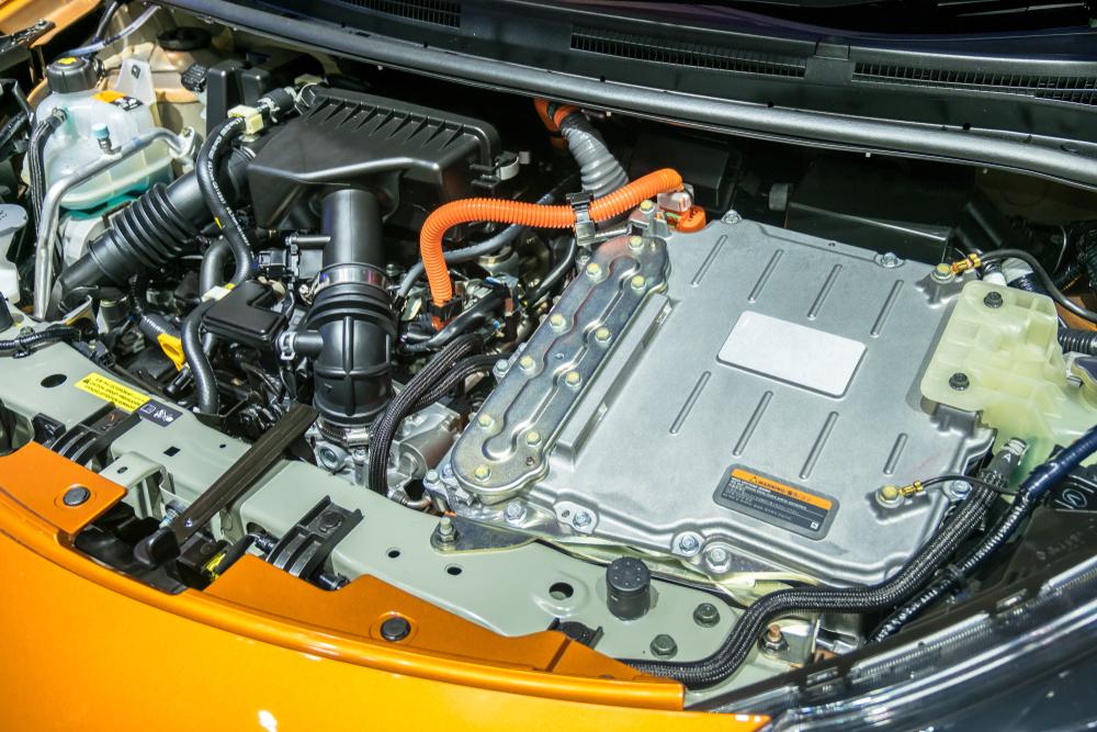 Com autonomia elétrica abaixo do esperado, modelos híbridos utilizam excessivamente o motor a combustão. (Fonte: Shutterstock)