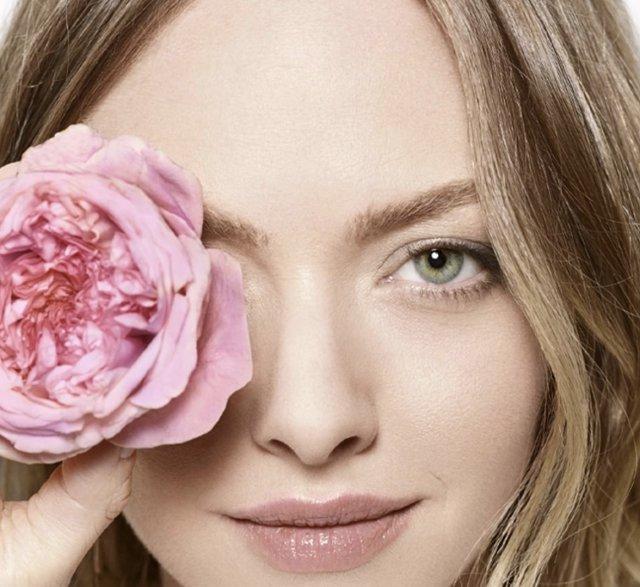 цветок у глаза