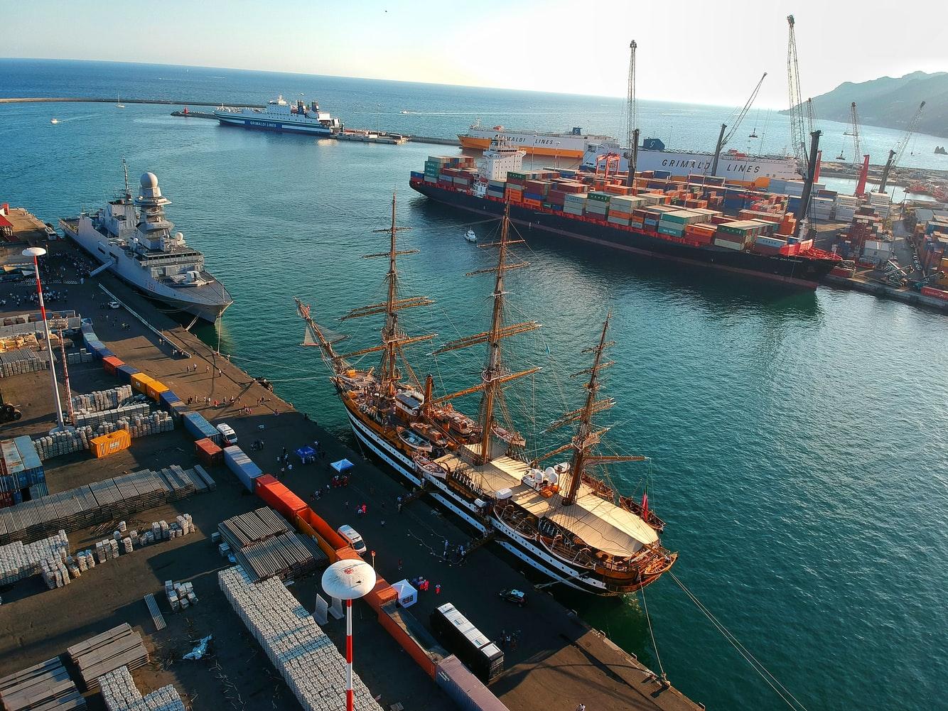Làm thủ tục Hải quan nhập khẩu hàng hóa