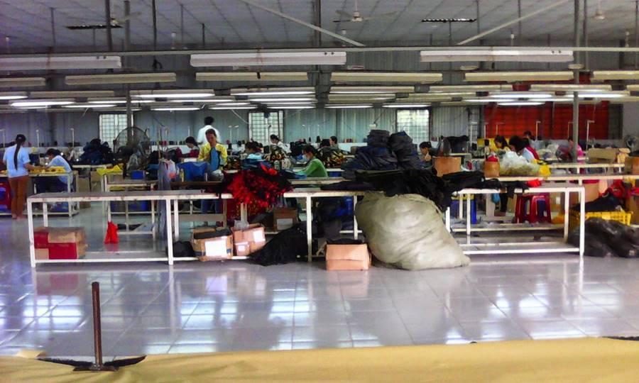 Kết quả hình ảnh cho xưởng sản xuất túi xách