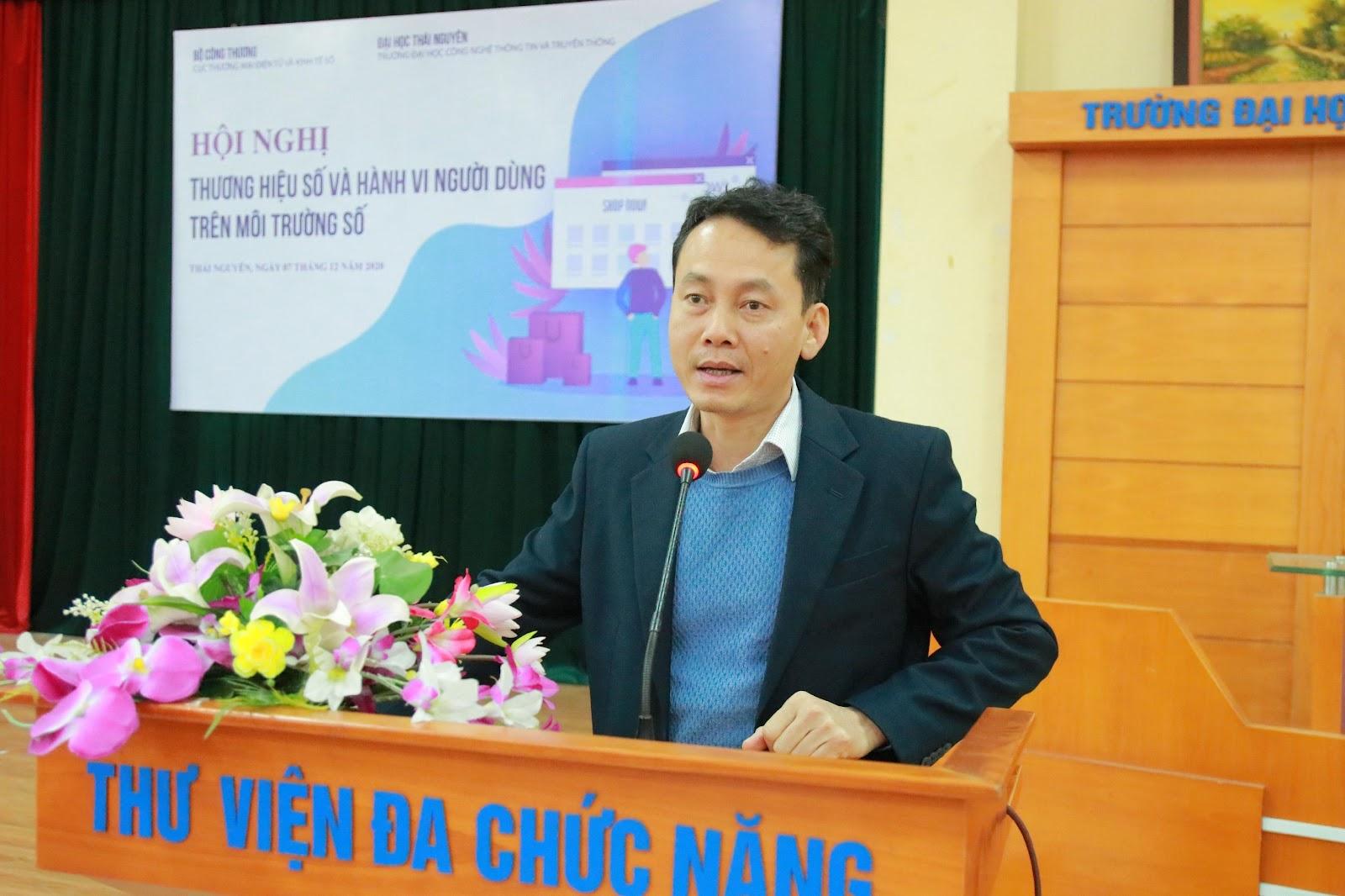 Ông Nguyễn Văn Thành trình bày tại hội nghị.