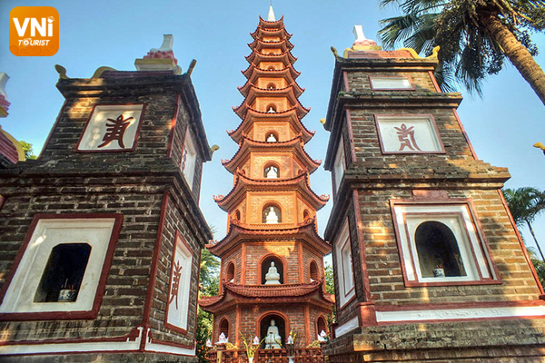 Tran Quoc Pagoda, Hanoi, Vietnam 4