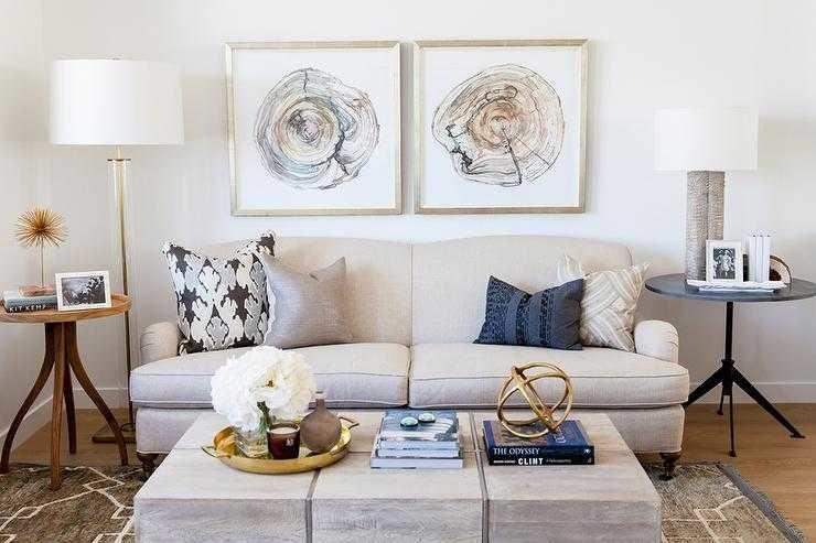 Memadukan Furnitur Minimalis dengan Gaya Klasik -  source: www.heytherehome.com
