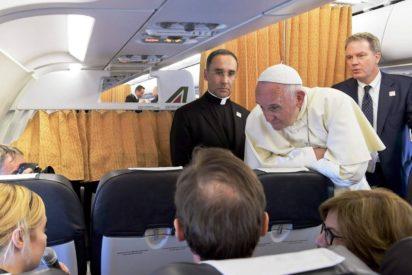 Toàn văn họp báo trên máy bay của Đức Thánh Cha từ Geneva trở về