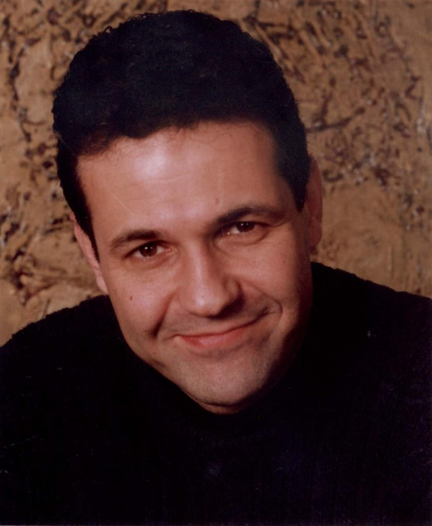 Afrgan-American novelist, City of Kabul, The Kite Runner, full-time writer, Khaled Hosseini, Kabul, Afghanistan, mother-daughter story, A Thousand Splendid Suns, And the Mountains Echoed
