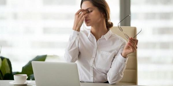 triệu chứng bệnh mụn rộp sinh dục giai đoạn đầu