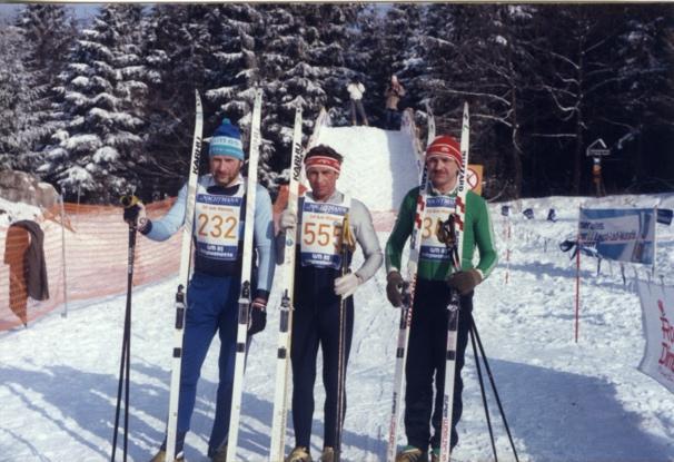 Ein Bild, das Schnee, draußen, Skifahren, darstellend enthält.  Automatisch generierte Beschreibung