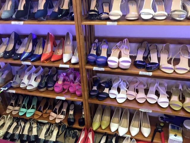 Nhiều người ưu tiên mua sỉ giày tại Thienhuong shoes