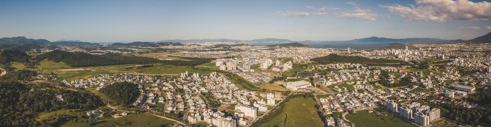 foto da Cidade Pedra Branca em 2020, com vista panorâmica