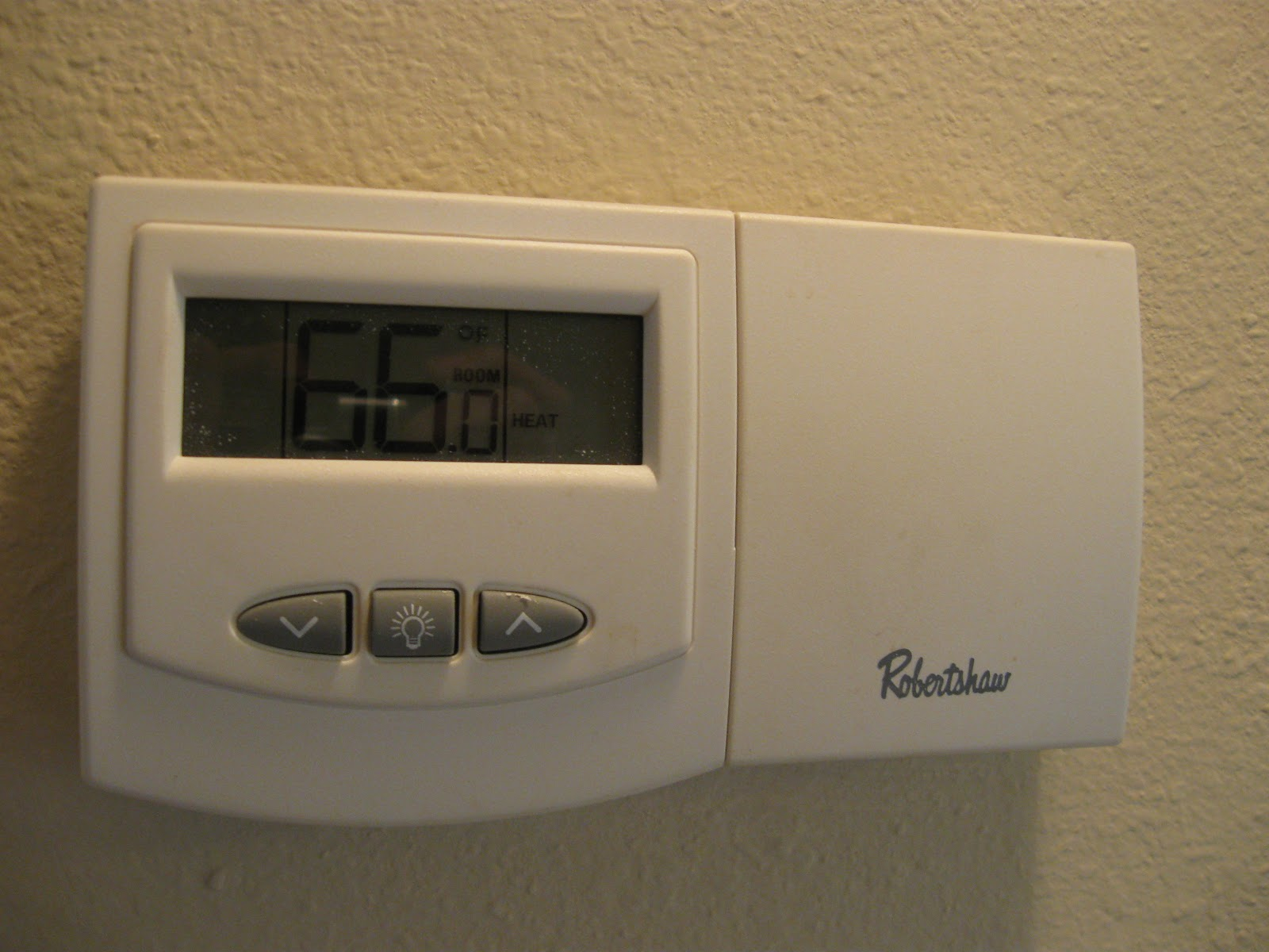 Robertshaw_Non-Programmable_Digital_Thermostat.JPG