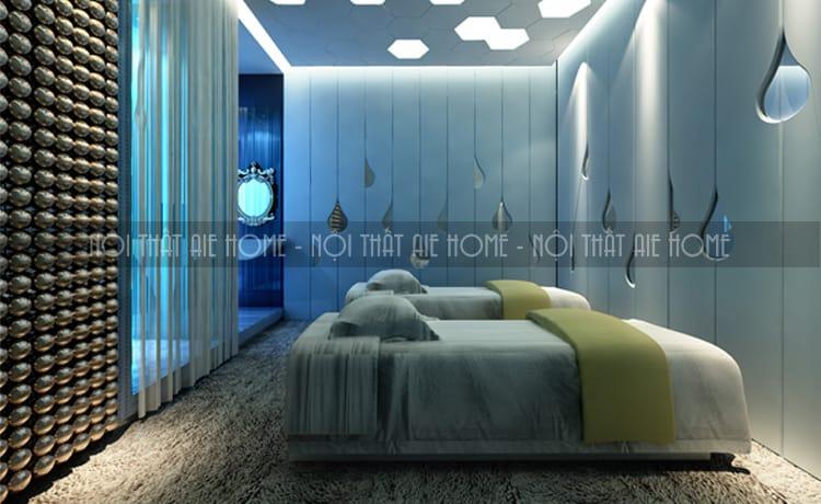 Thiết kế khu vực giường massage gần hồ nước tạo sự thư giãn và thoải mái cho khách