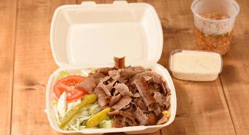 Une image contenant alimentation, table, conteneur, repas  Description générée automatiquement