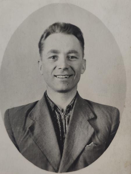 Іван Гончарук навесні, 1955 р.