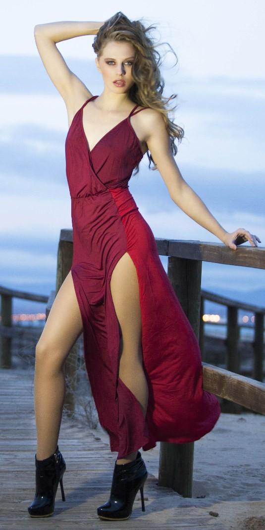 Baile sensual en vestido corto vestidos de noche for Colores sensuales