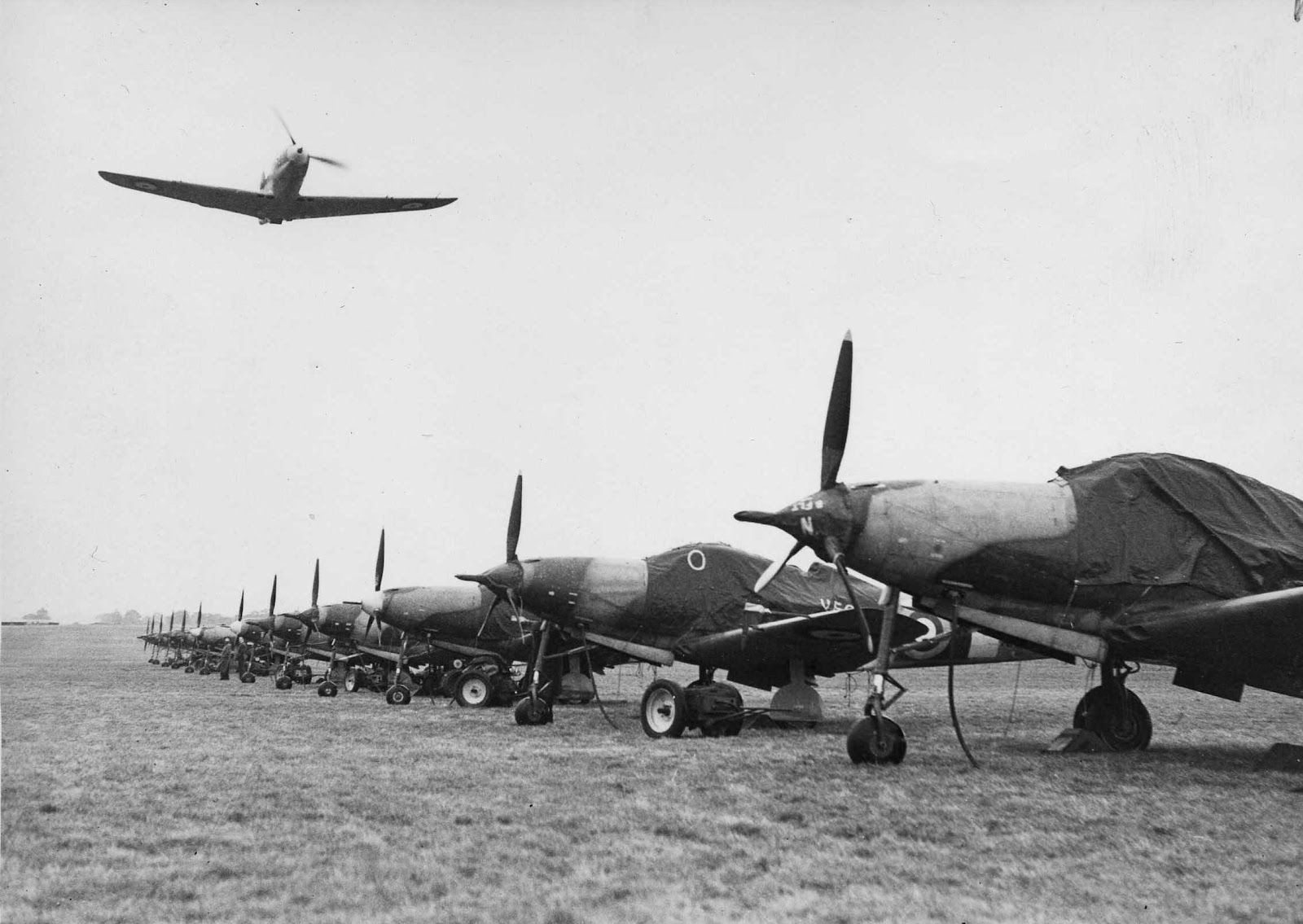 Airacobra flypast