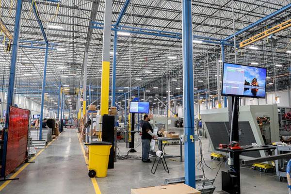 Hoạt động sản xuất vẫn được vận hành trong tâm dịch