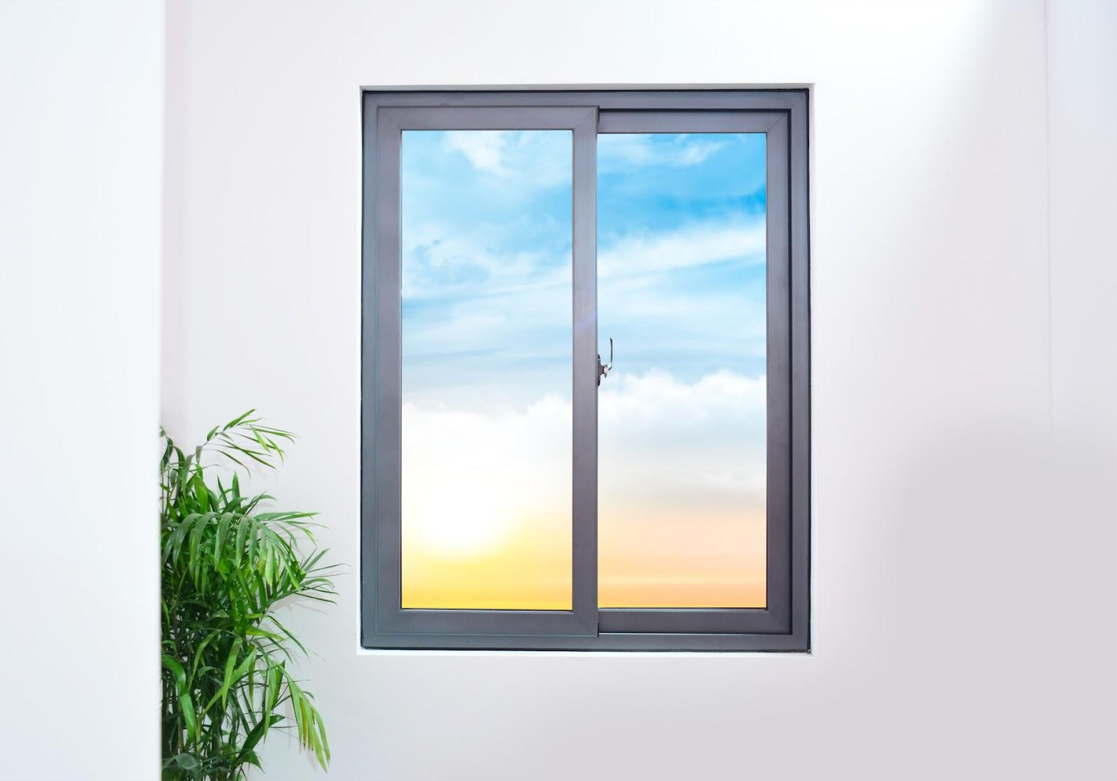 Cửa sổ không có thanh chắn có tính thẩm mỹ cao nhưng có thể nguy hiểm