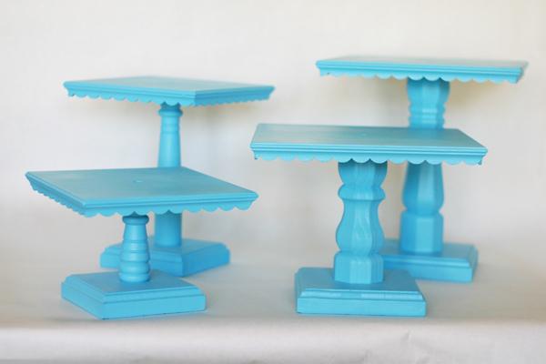 Colored Plastic Cake Stand