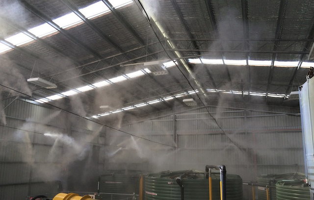 Máy phun sương công nghiệp có tác dụng làm mát không gian làm việc