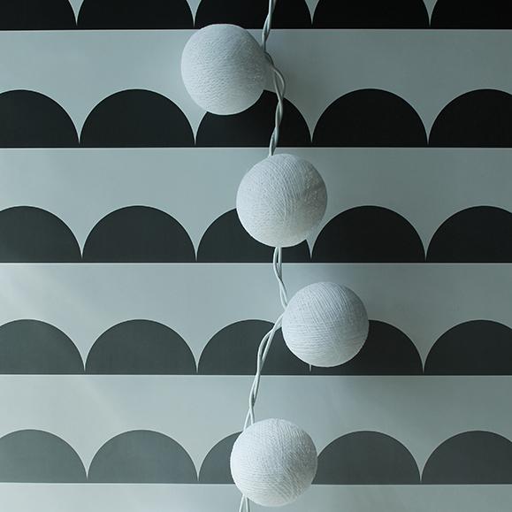 Baumwollball Lichterkette von Cinnamon Home mit Vollweiss Bällchen 20 st.jpg