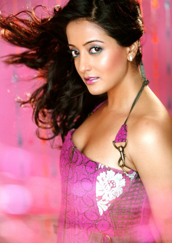 Raima Sen hot photo gallery