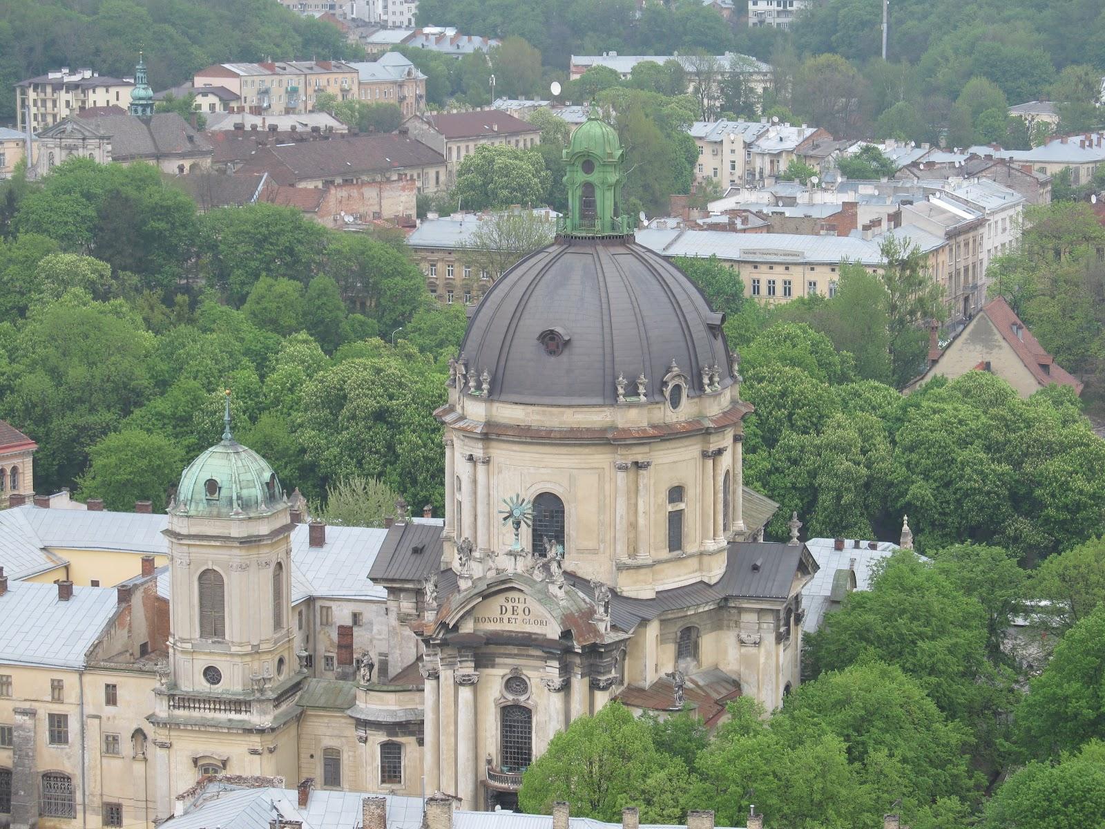 Домініканський костел, вигляд зверху, з Ратуші