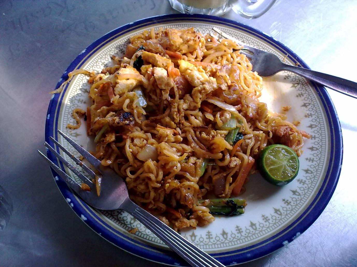 http://upload.wikimedia.org/wikipedia/commons/4/46/Maggi_Goreng.jpg