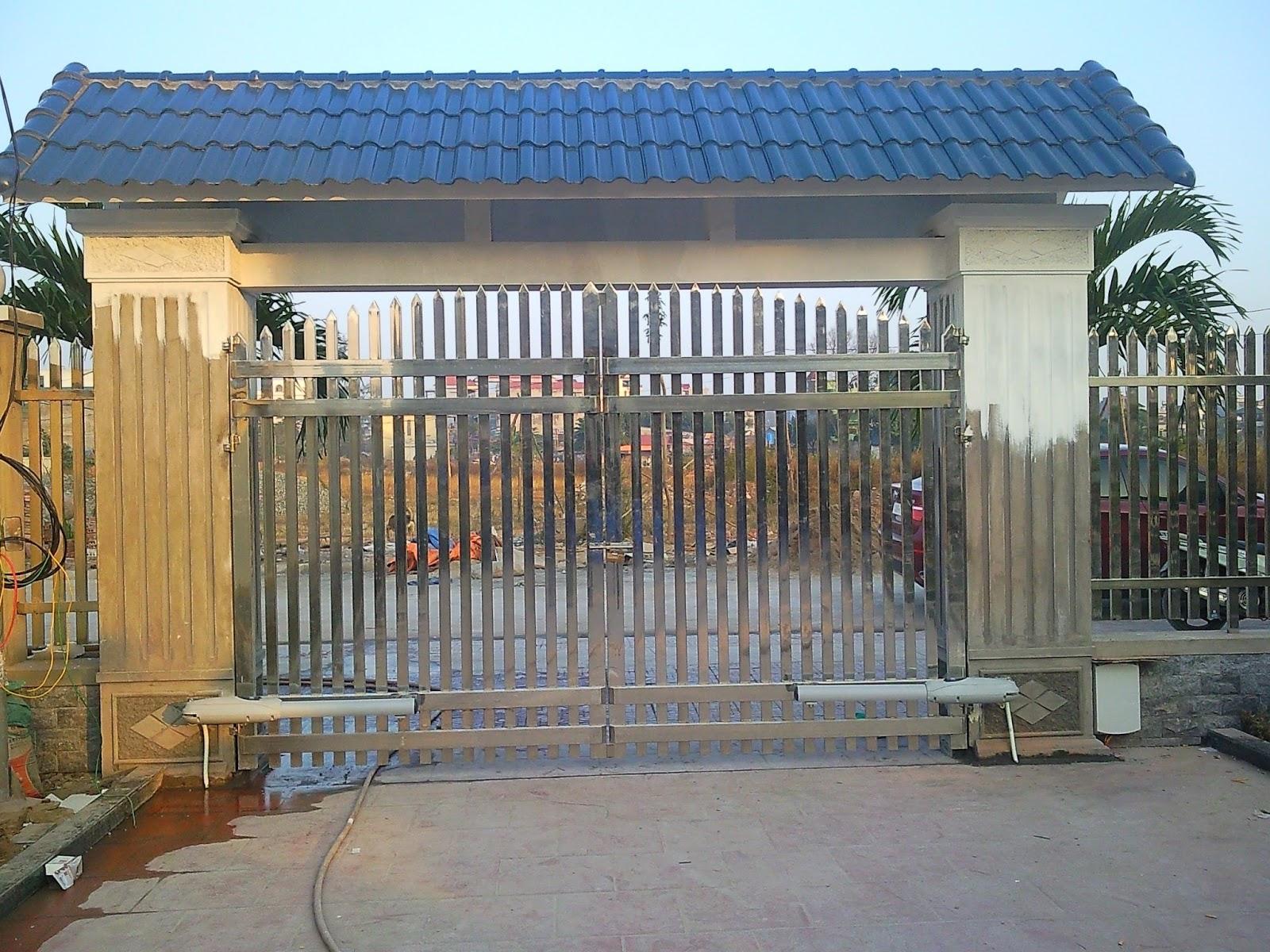 Cổng điện ở trước nhà