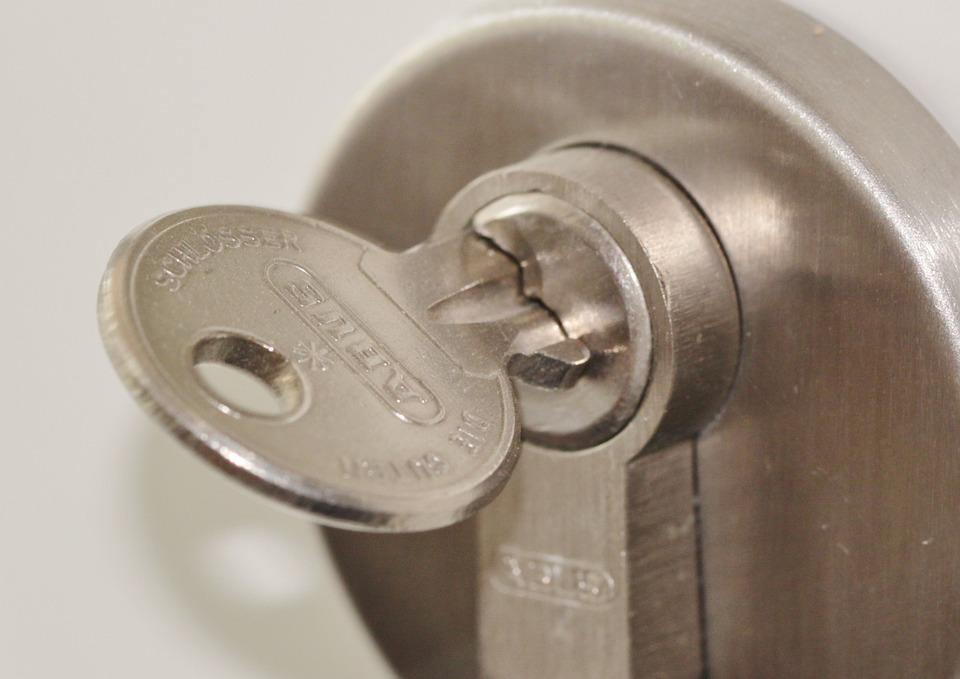 door-lock-407427_960_720.jpg