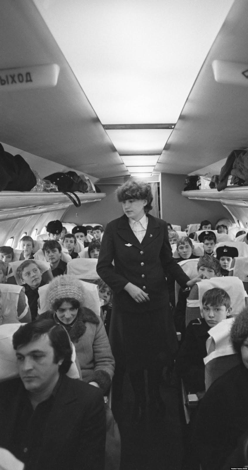 Салон самолета Ту-154, рейс Киев — Владивосток, 1986 год
