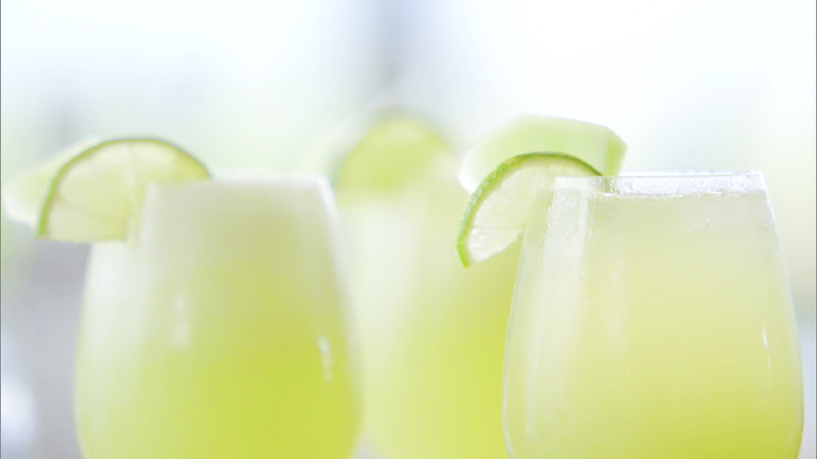 honeydew ginger gin fizz