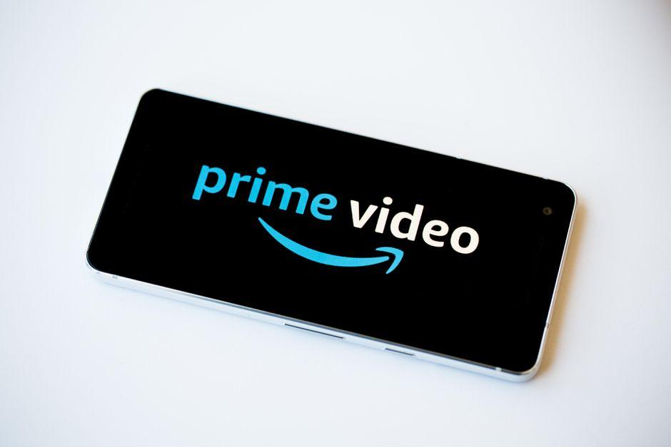 Amazon Prime Video lets you virtually co-watch shows with up to 100 friends  - CNET
